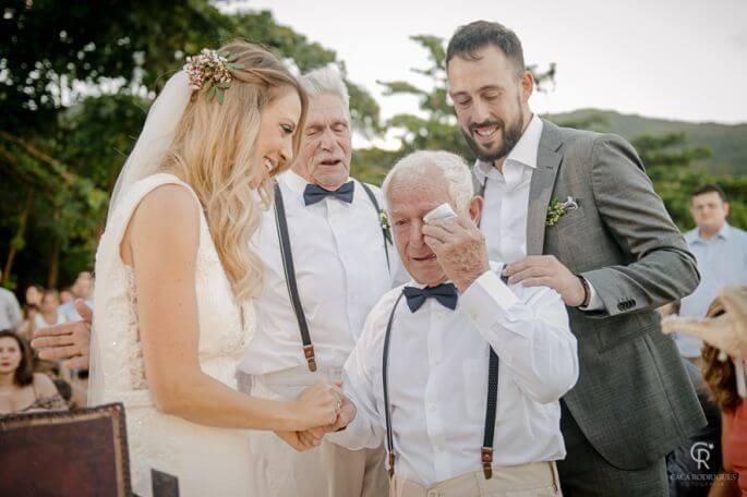 Como ter uma cerimônia de casamento personalizada